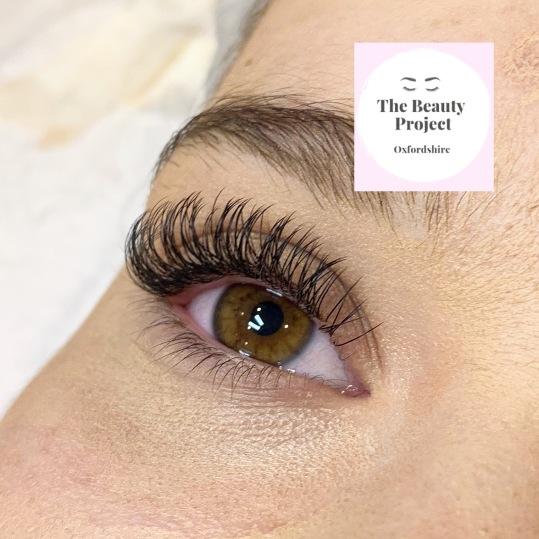 flat lashes